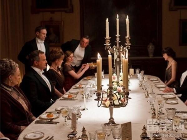 意大利生活的留学生去朋友家做客要注意什么礼节?