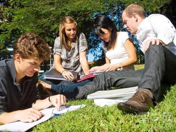 在马来西亚留学期间如何快速学好英语?
