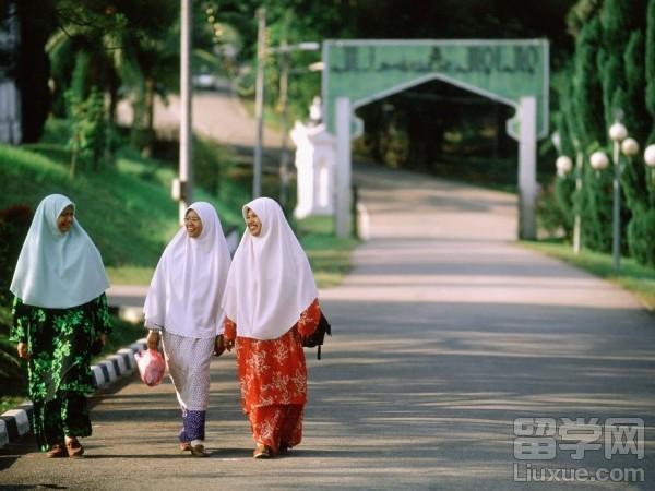 准备移民马来西亚?马来西亚生活习惯和禁忌常识一定要懂!