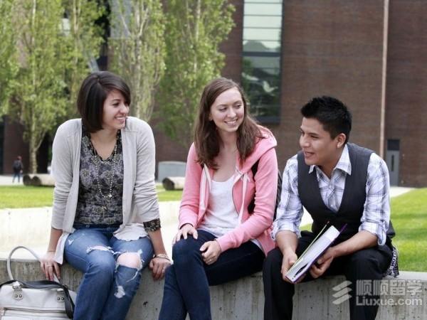 美国社区大学转入名校难度大吗?
