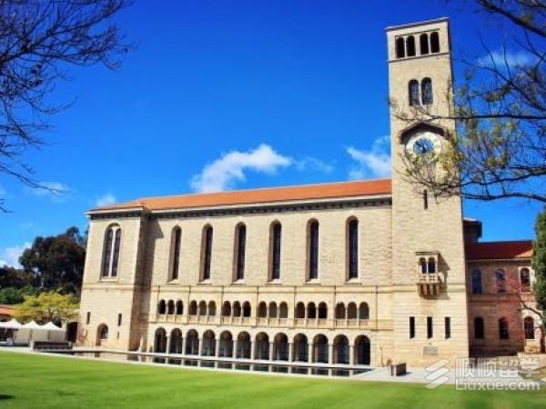 去西澳大学预科读机械工程要准备什么书?